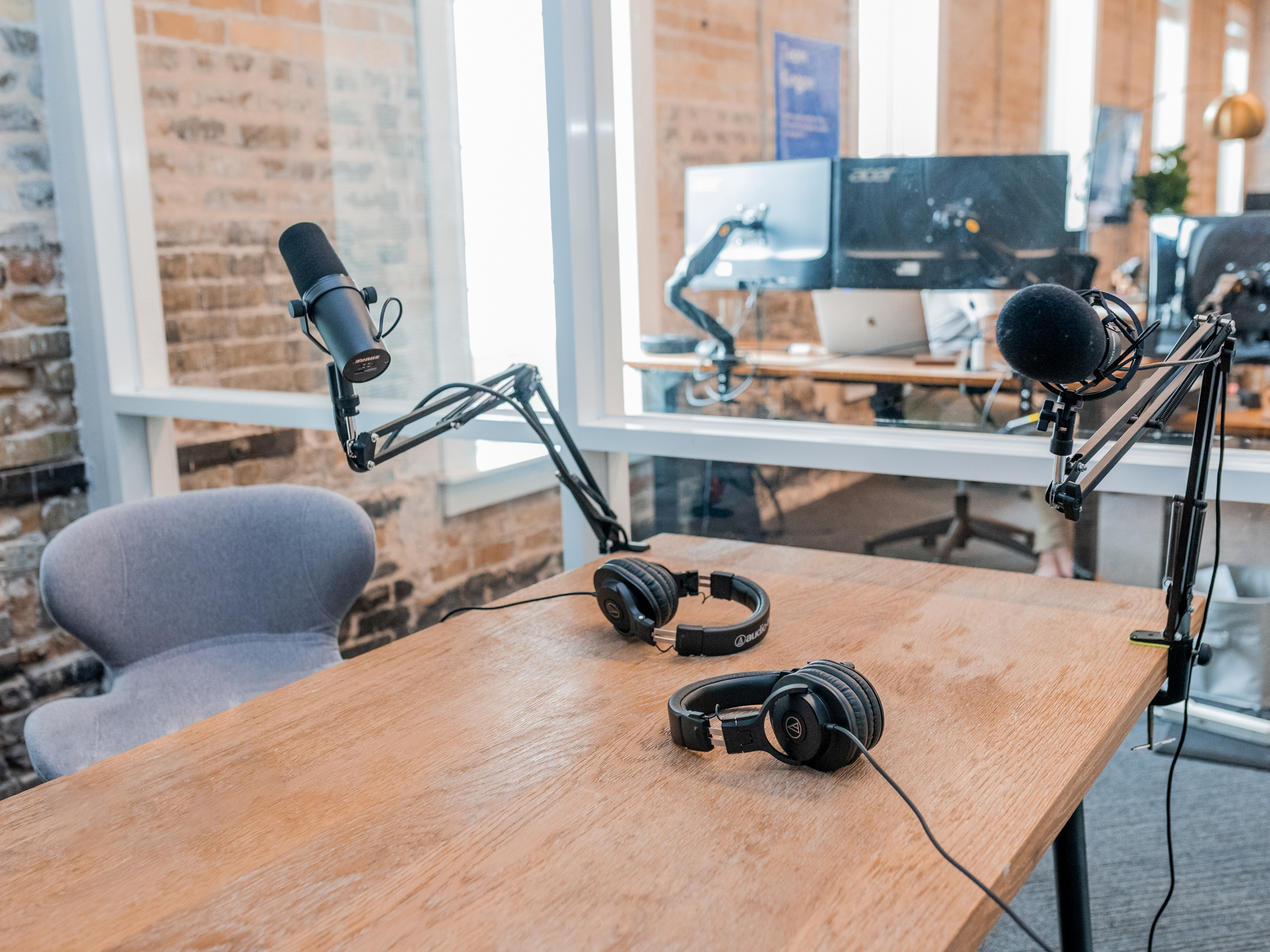 Why Your Business Should Start A Podcast